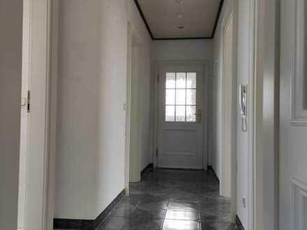 Moderne Landhaus Wohnung 5min A8 Garage+ Stellplatz 2 Balkone
