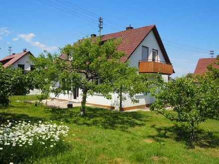 Komplett renoviertes Einfamilienhaus in ruhiger Lage in Weilstetten