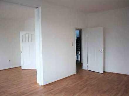 Einziehen & wohlfühlen: Lichtdurchflutete 4 ZKB Altbau-Wohnung mit 2 Bädern in Dortmund