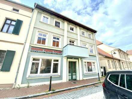 Wohn- und Geschäftshaus mit 4 Wohneinheiten und 1 Gewerbeefläche