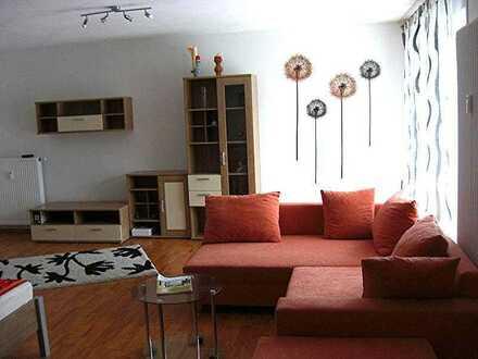 Geräumiges, möbliertes Apartment in ruhiger Lage