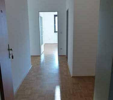 Sonnige 4-Zimmer Wohnung in Deggendorf, zentrumsnah