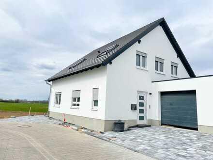 Profi Concept: Harpertshausen, Neubau - schickes freistehendes Haus in ruhiger Lage