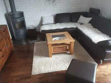 vollständig renovierte 4-5-Zimmer-Wohnung in 2-Familienhaus in Stgt.Steckfeld