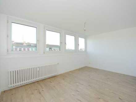 Bezug nach Komplett-Sanierung! Helle und freundliche 2-Raum-Wohnung in sehr ruhiger Lage