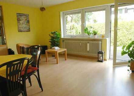 WOHNWELT IMMOBILIEN: Gepflegte 1,5-Zimmer-Erdgeschosswohnung mit Terrasse in München