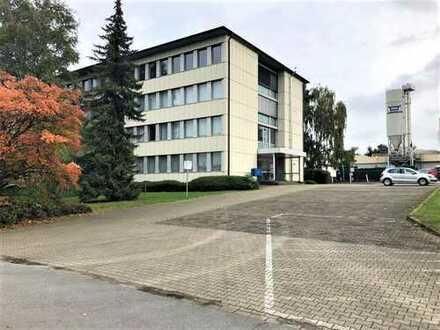 Verkehrsgünstig gelegene Lagerhalle in Bochum | anliegende Büro- und Sozialflächen