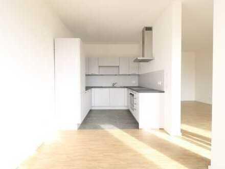 Helle Etagenwohnung mit Balkon und Loggia - 3 Zi, 94 qm, EBK *Erstbezug*