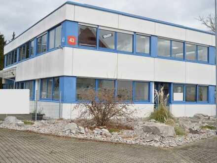Große Gewerbefläche: Büros und Lagerhalle in Schopfheim !
