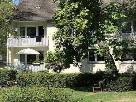 Drei Zimmer Wohnung mit Balkon in Rheinnähe!
