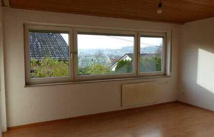3-Zimmer Einliegerwohnung-Wohnung mit separatem Eingang und EBK
