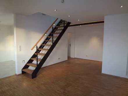 Neuwertige 2-Zimmer-Maisonette-Wohnung mit Balkon und Einbauküche in Wuppertal