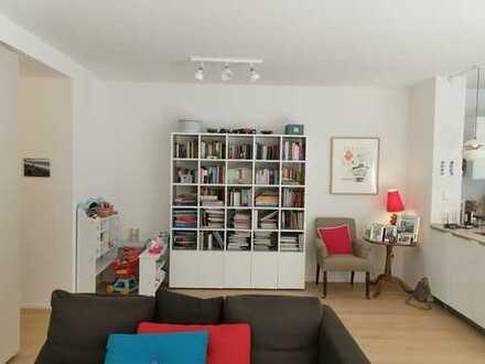 """""""Le Flair"""" 4-Zimmer-Wohnung mit viel Sonderausstattung, Balkon, Einbauküche"""