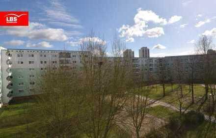 Bezugsfrei ! Hohenschönhausen ...  Helle 3 Zimmer-Wohnung mit Balkon