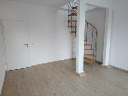!! Letzte Maisonette-Wohnung, Erstbezug nach Sanierung, 4-Zimmer, 2 Balkone und PKW-Stellplätzen !!