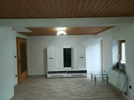 Vollständig renoviertes Einfamilienhaus mit fünf Zimmern und EBK in Gangkofen, Gangkofen