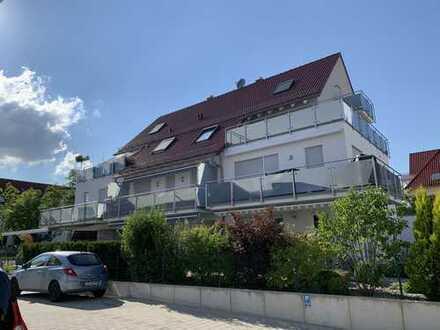 Neuwertige 4-Zimmer-DG-Wohnung mit Balkon, großer Dachterasse, EBK, Kaminofen uvm in Mering