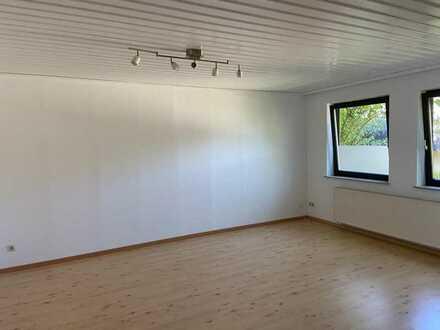 2-Zimmer-EG-Wohnung mit EBK in schoenau