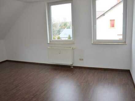 SCHNÄPPCHEN im Dachgeschoss - ideal für Singles