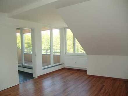 4-Zimmer-Wohnung im Dachgeschoss mit Tageslichtbad und Dachterrasse