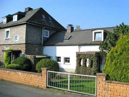 Doppelhaushälfte mit Anbau in bester Wohnlage von Bad Laasphe
