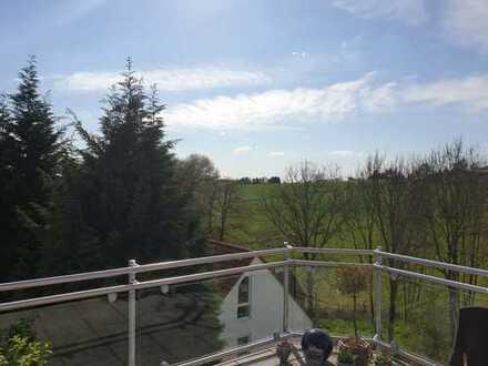 Wunderschöne, lichtdurchflutete 5-Zimmer-Wohnung über 2 Etagen mit Balkon und Traumblick am Dönberg