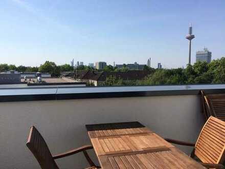 Exklusive, neuwertige 3-Zimmer-Maisonette-Wohnung mit Dachterrasse und Skylineblick