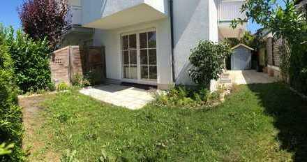 Traumhafte 3-Zimmer-EG & Souterrain-Wohnung mit 2 Terrassen & eigenem Garten in Bogenhausen, München