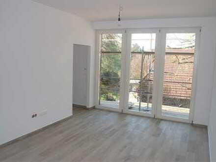Tolle Single Wohnung mit Balkon und Blick ins Grüne !
