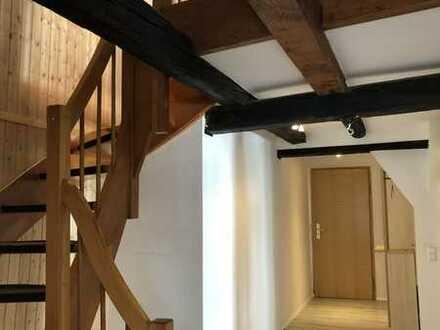 Renovierte Masionette 2-Zimmer-Wohnung + TG + EBK