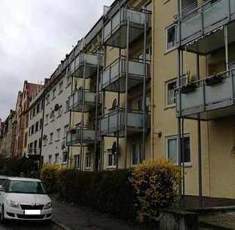Schöne helle 2-Zimmer-Wohnung mit Balkon im Rodgebiet