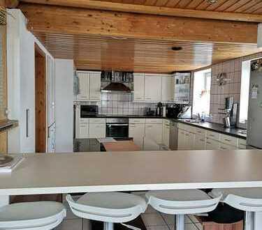 !! MEHRGENERATIONENHAUS + GROSSE FAMILIEN: 5 Schlafzimmer, 2 Bäder, Terrasse + Balkon + Garage !!
