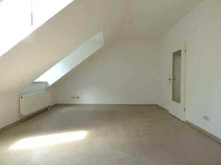 Kleine Singlewohnung unterm Dach