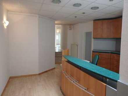 *Provisionsfrei* Moderne Bürofläche in zentraler Lage im Ortsteil Vluyn