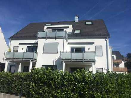 Luxuriöse, neuwertige 2-Zimmer-Wohnung mit Balkon in Günding