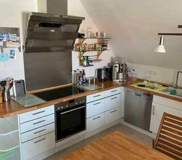 Modernisierte 4,5-Zimmer-Maisonette-Wohnung mit Balkon und EBK in Griesheim