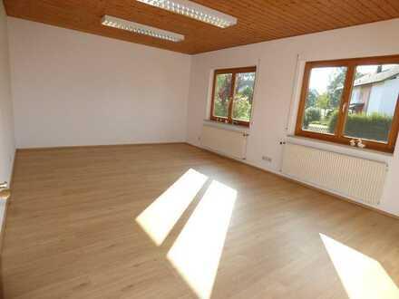 Ehemaliges Bürogebäude ca. 7 km östlich von Memmingen als Wohnhaus ohne Garten zu vermieten