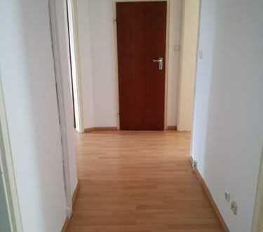Modernisierte 3-Zimmer-Wohnung mit EBK in Augsburg Pfersee