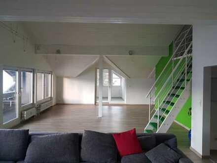 Gepflegte 2-Zimmer-DG-Wohnung mit Balkon und EBK in Sonthofen