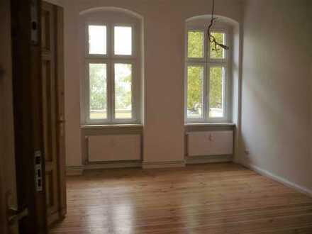 VIDEO! 2 Zi, Balkon, 1.OG, Kaiserin-Augusta-Allee-zentral