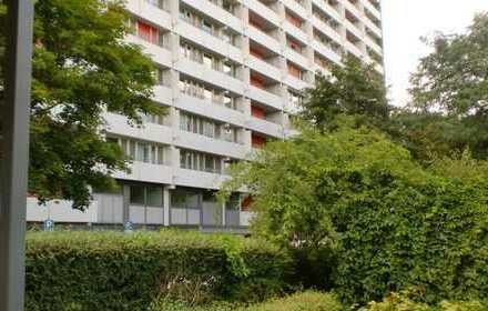 Interessante 3,5 Zimmer-Wohnung mit Balkon und TG