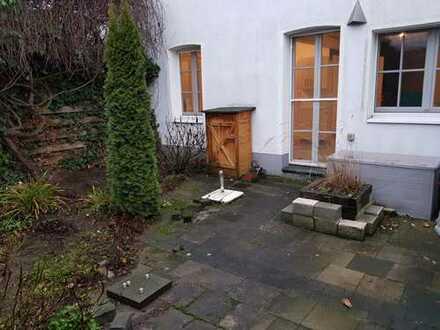 Bungalow im Maisonette-Stil mit Außenterasse in Meerbusch - Büderich