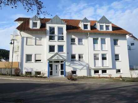 Gepflegte 2-Zimmer-Wohnung mit Terrasse und Einbauküche in Hechingen Stein
