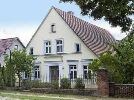 Denkmalgeschütztes, ehemaliges Bauernwohnhaus mit Remise in Schönwalde-Glien - leerstehend -