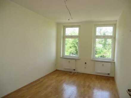 Schöne 1-Zimmer-Altbauwohnung mit Balkon