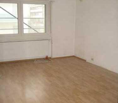 Modernisierte 3-Zimmer-Wohnung mit Balkon in Mannheim