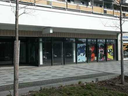 Ladengeschäft in einem Wohn- und Geschäftshaus an der Gelsenkirchener Allee