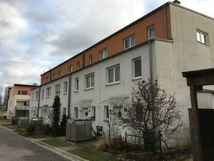 Schönes Reihenmittelhaus mit fünf Zimmern in Regensburg, Westenviertel (Boessnersche Höfe)