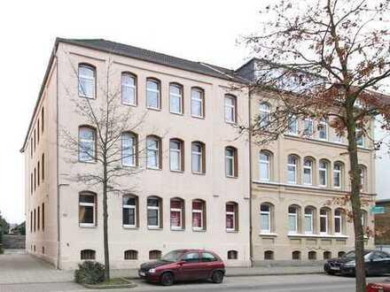 Braunschweig: 6 Familienhaus mit Keller, Garagen und Ausbaureserve im DG