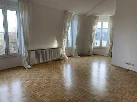 2 Zi.-Whg Dachgeschoss Wohnung im gehobenen Bogenhausen